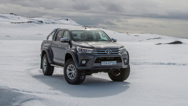 Model Toyota Hilux AT35 pentru off road extrem